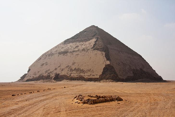 Фото №1 - В Египте обнаружили неизвестную пирамиду