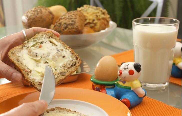 Фото №1 - Ученые рассказали о пользе молока на завтрак