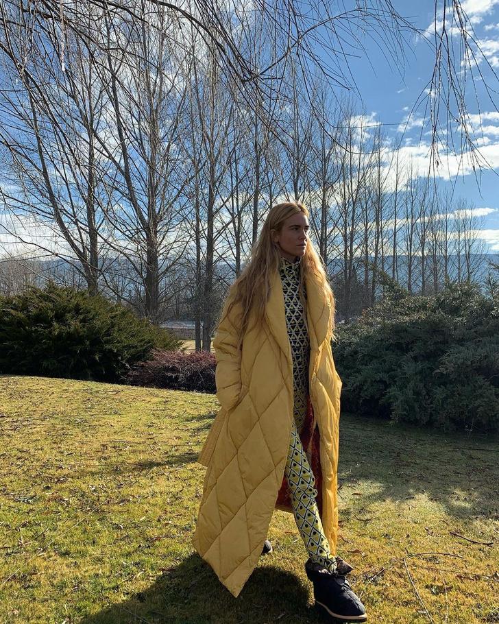 Фото №1 - Этой зимой нам всем нужен пуховик-одеяло, как у Бланки Миро