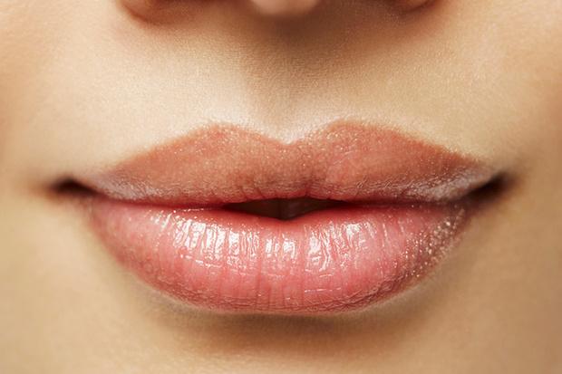Фото №2 - Как увеличить объем губ