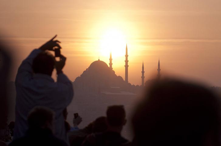 Фото №1 - Российские туристы установили новый рекорд в Турции