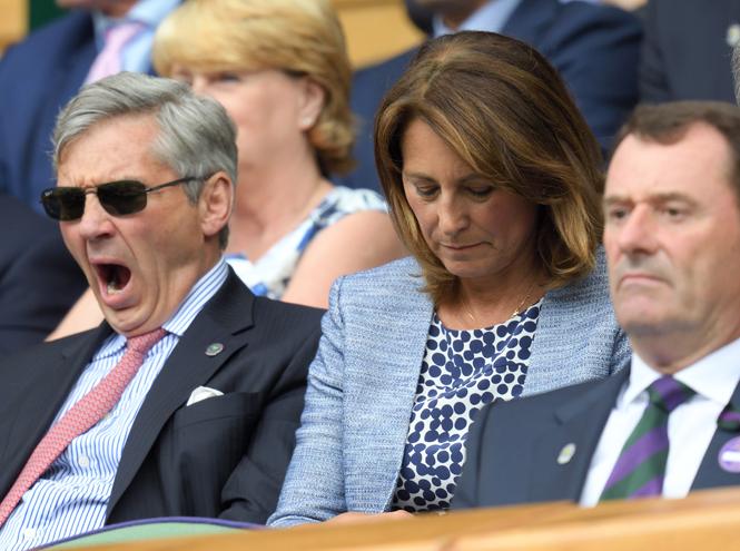 Фото №3 - И смех, и слезы: звезды на трибунах Уимблдона глазами фотографов