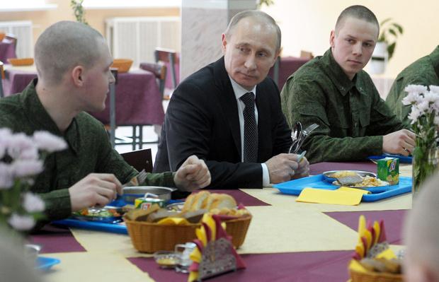 Фото №5 - Борщ для президента: личный повар Путина раскрыл его кулинарные предпочтения