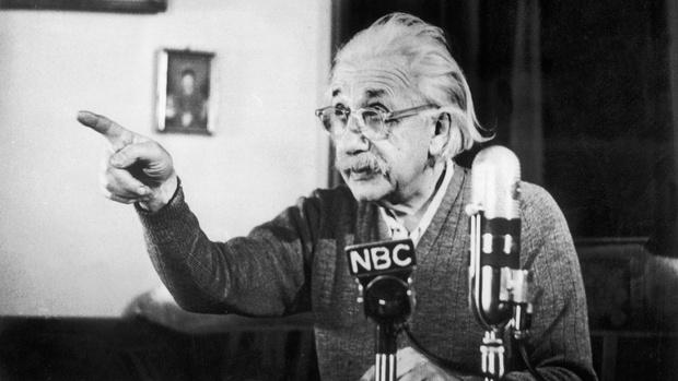Фото №2 - 10 житейских мудростей Альберта Эйнштейна, которые используют все богачи