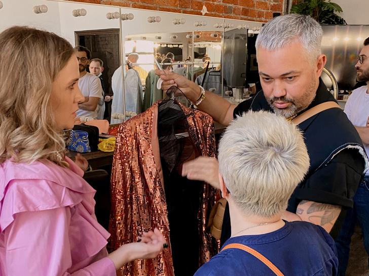 Фото №2 - Как подготовиться к онлайн-премьере фильма «(Не)случайные истории»: модные советы Александра Рогова