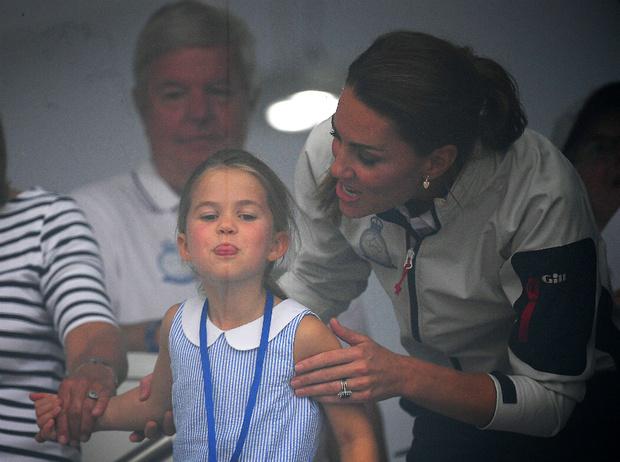 Фото №2 - Особый подход: чем воспитание Шарлотты отличается от воспитания Джорджа и Луи