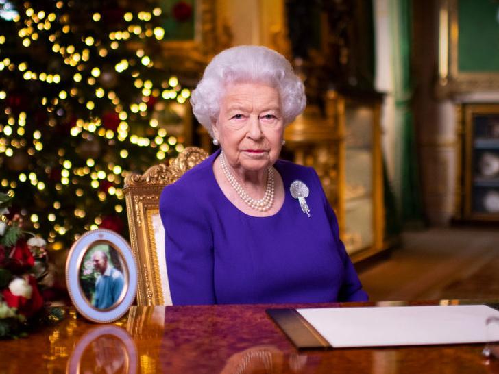 Фото №1 - Слова надежды: о чем Королева говорила в своей ежегодной речи (и какую традицию она нарушила)