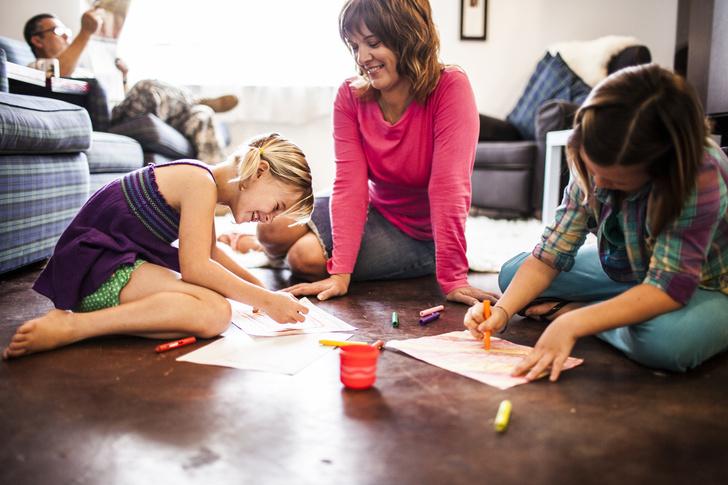 Чем заняться с ребенком дома: 10 идей, во что поиграть с детьми