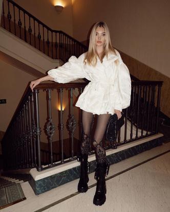 Фото №5 - Стиль Эльзы Хоск: как одевается самая яркая топ-модель новой эпохи