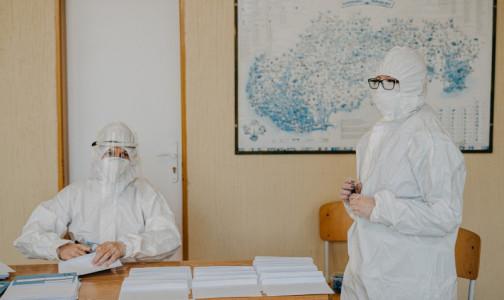 Фото №1 - Почти 2,5 тысячи петербургских студентов-медиков помогают врачам в борьбе с коронавирусом