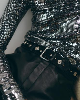 Фото №3 - Что купить в новой аксессуарной коллекции Maje: от сумок до украшений