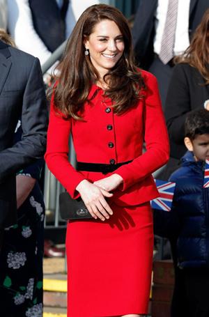 Фото №26 - Королевский дресс-код: любимые сумки герцогини Кембриджской