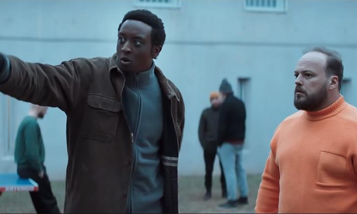 Фото №1 - Французы сняли русскую комедию «Дружить по-русски!» (дублированный трейлер)