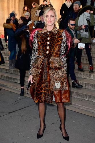 Фото №1 - 13 самых нелепых образов гостей Недели высокой моды в Париже