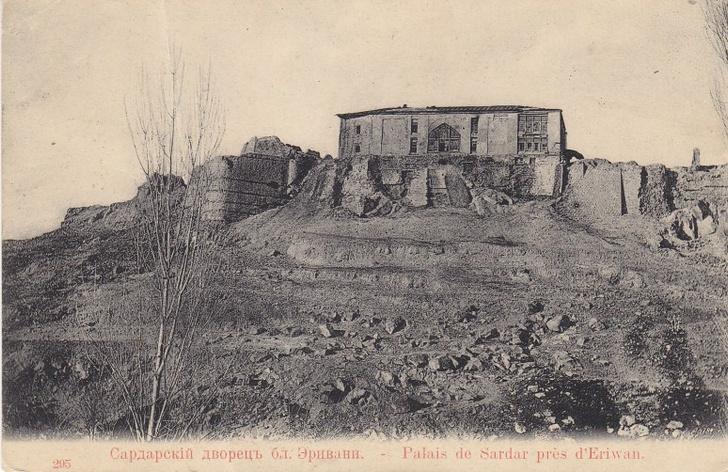 Фото №2 - Сокровища Эриванского ханства: в Баку открыта выставка, посвященная исчезнувшей эпохе