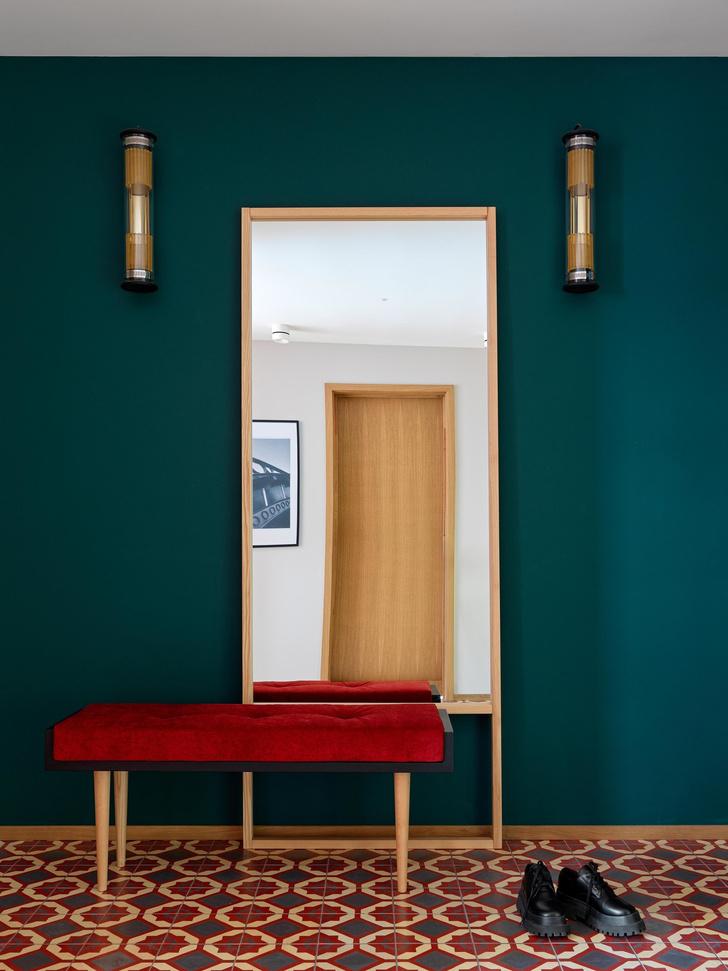 Фото №3 - Выбираем зеркало в прихожую: 5 идей