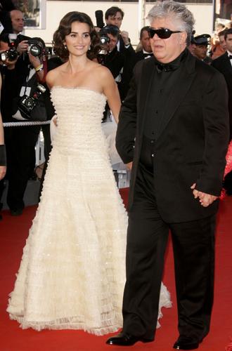 Фото №52 - Войти в историю: 35 культовых платьев Каннского кинофестиваля