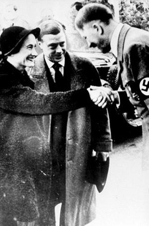 Фото №14 - История с отречением Эдуарда VIII: как Уоллис Симпсон стала проектом Гитлера