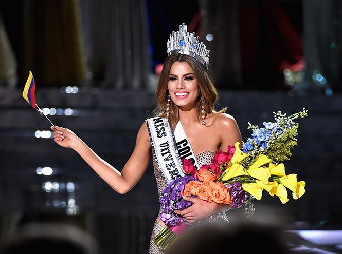 Фото №2 - На конкурсе «Мисс Вселенная 2015» корону вручили дважды