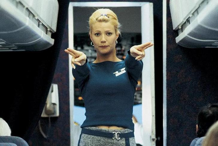 Фото №2 - Женщины с верху. Все о главном объекте твоих фантазий— стюардессах!