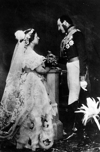 Фото №2 - Свадебный букет: история, традиции и приметы