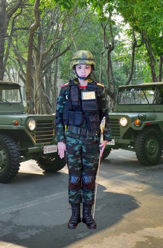 Фото №6 - Представлены официальные снимки королевы Таиланда