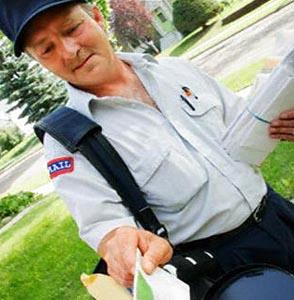 Фото №1 - Почтальон пять лет хранил тысячи чужих писем