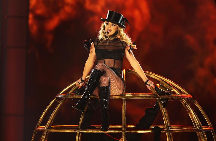 Фото №57 - Сама себе не хозяйка: как Бритни Спирс потеряла контроль над собой, деньгами, голосом и жизнью