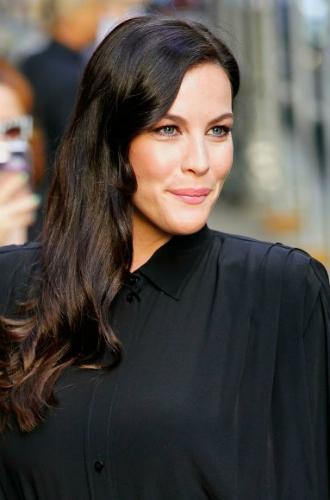 Фото №13 - 4 стильные прически для длинных волос, которые всегда будут в моде