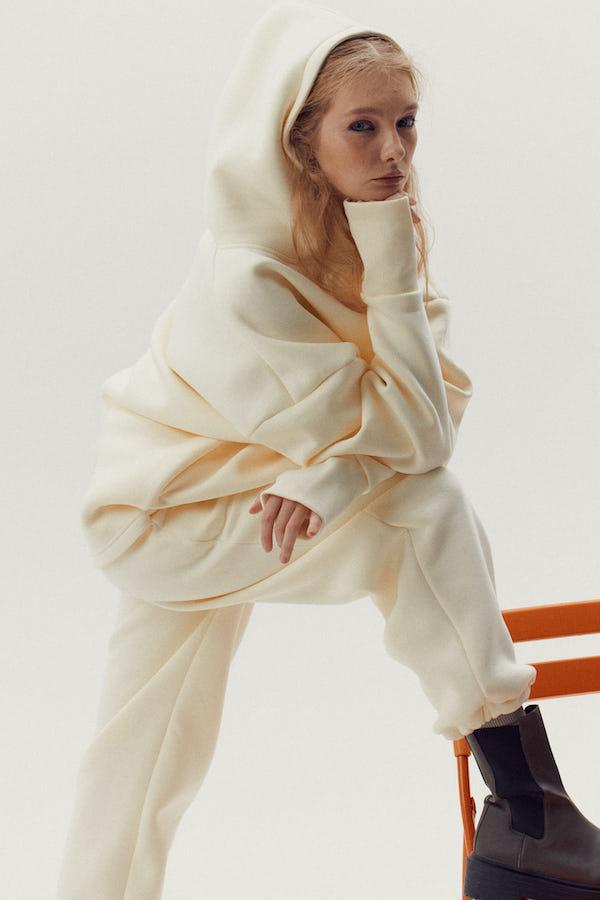 Фото №2 - Первый в мире конструктор casual одежды Hooli представил межсезонные новинки