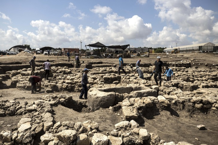 Фото №1 - В Израиле раскопали «Нью-Йорк бронзового века»