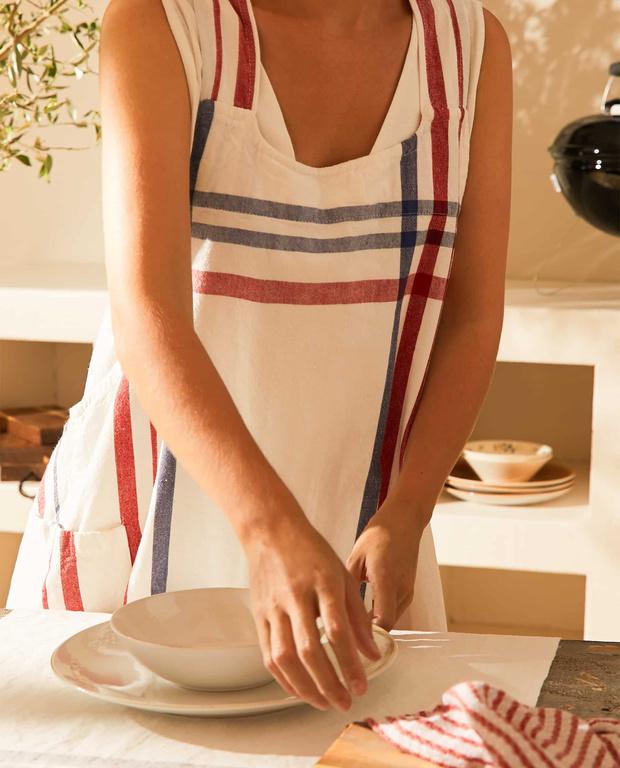 Фото №13 - Модные фартуки и текстиль для кухни