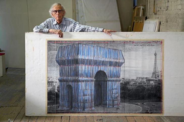 Фото №4 - Триумфальную арку в Париже полностью обернут тканью