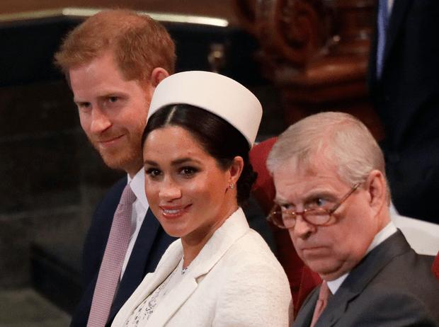 Фото №1 - Какой урок Гарри и Меган должны извлечь из скандала с принцем Эндрю