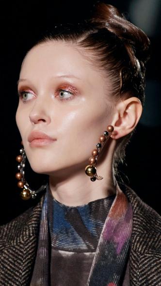 Фото №12 - Главные тренды макияжа осени и зимы 2020/21