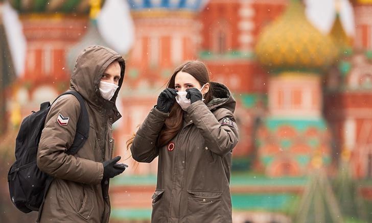 Фото №1 - Власти Москвы собираются присвоить жителям QR-коды для выхода из дома