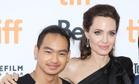 Сын Анджелины Джоли вернулся домой из Южной Кореи раньше срока