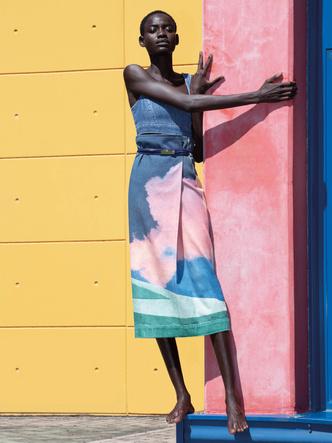 Фото №3 - Кроп-топы и сарафаны из денима: 9 джинсовых вещей Sportmax для нового сезона
