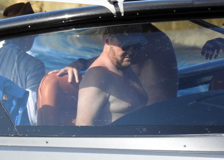 Фото №4 - Такого вы еще не видели: как выглядят на пляже королева и король Нидерландов