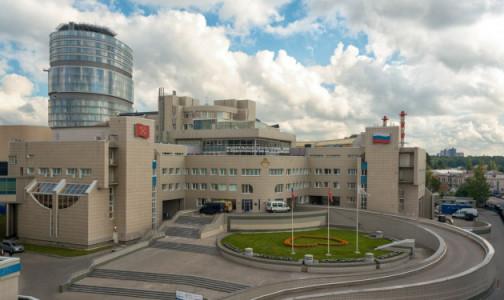 Фото №1 - Центр им. Алмазова начнет лечить петербуржцев с ковидом и пневмониями в декабре