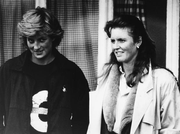 Фото №4 - Диана и Ферги Vs Меган и Кейт: «заклятые подруги» королевской семьи