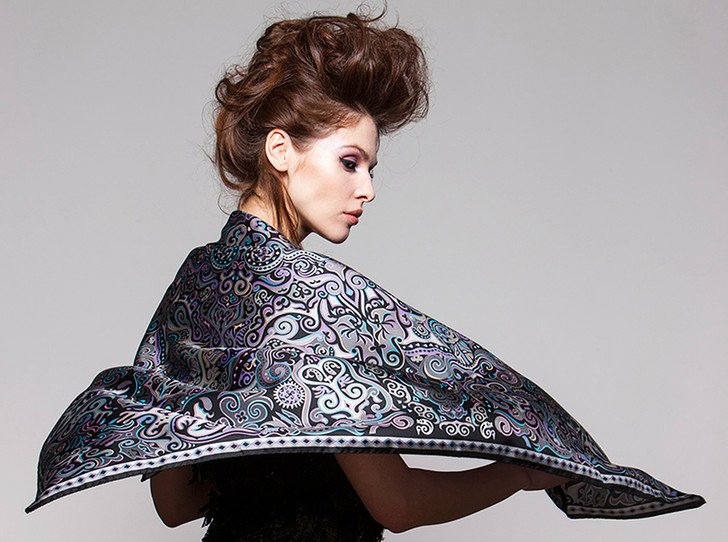 Фото №1 - Sirinbird: сказочные русские платки, популярные не только в России
