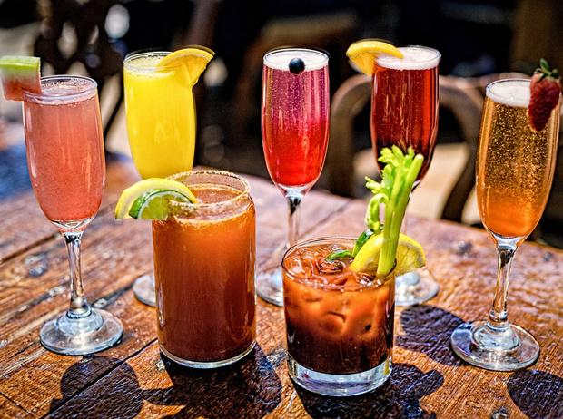Фото №1 - 8 рецептов освежающих коктейлей от бармена
