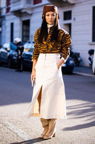 Фото №3 - С чем носить миди-юбки: 6 сочетаний, которые нужно попробовать