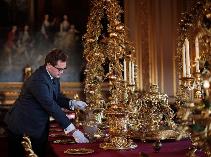 Фото №3 - Встречаем рождество по-королевски: 10 правил этикета за столом