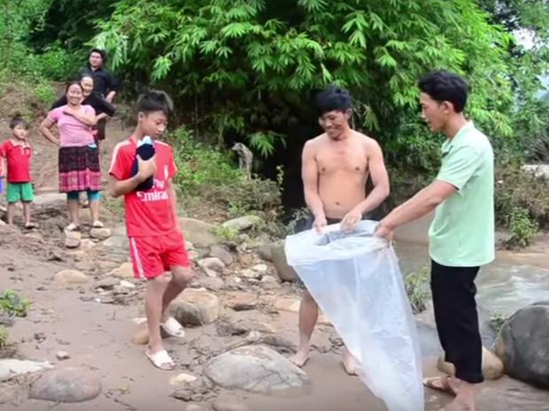 Фото №2 - Врагу не пожелаешь: как добираются в школу дети во Вьетнаме