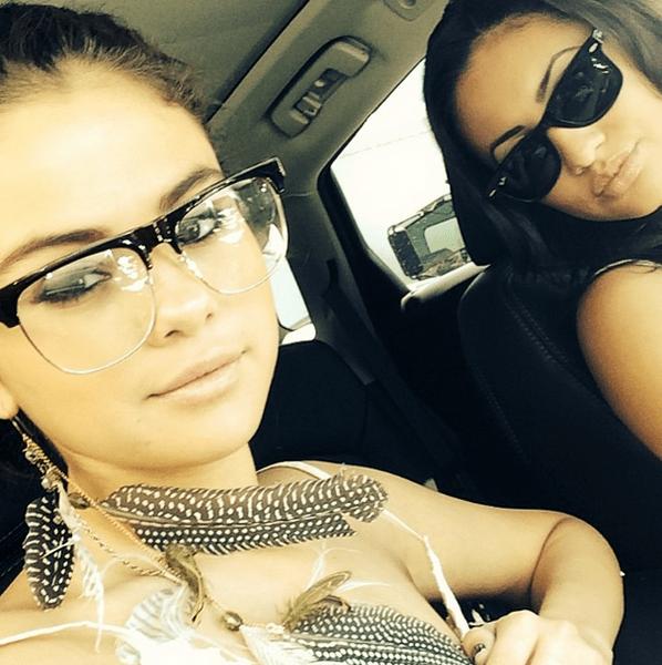 Фото №31 - Звездный Instagram: Селфи в машине