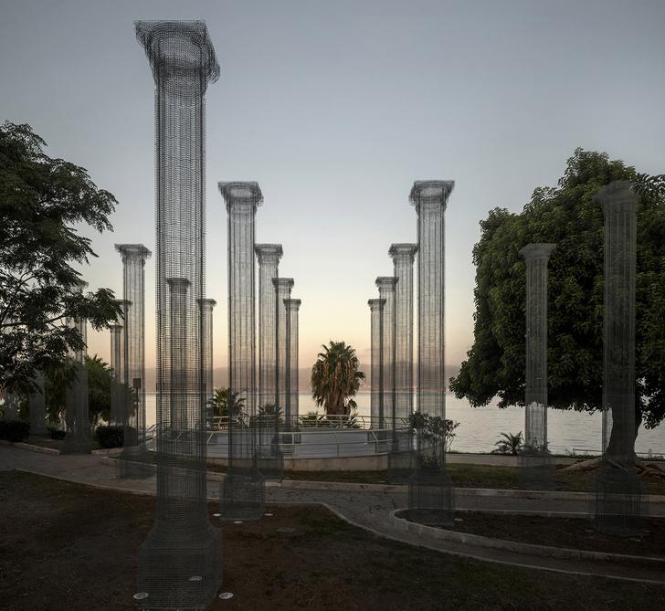 Фото №2 - Призрачные колонны в инсталляции Эдоардо Тресольди