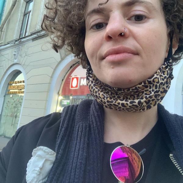 Фото №4 - «Буду рада денежным подаркам»: фем-блогерша Белла Рапопорт просит подписчиков скинуться ей на «насущное»