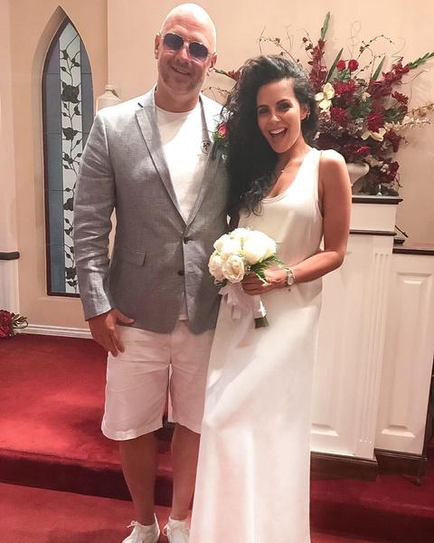Фото №2 - За два года до официальной: Настя Каменских показала фото с тайной свадьбы с Потапом